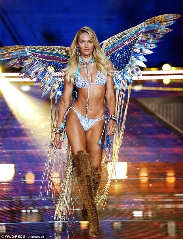 Victorias Secret Show gần kề, Karlie Kloss và Behati Prinsloo lại khiến fan chưng hửng - Ảnh 3.