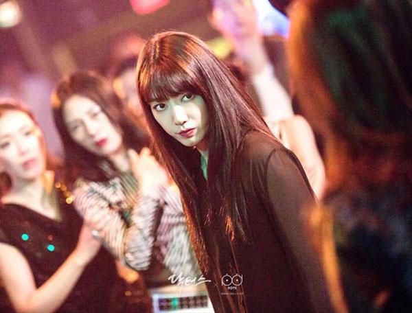 Đài SBS chơi trội, hé lộ tuổi thơ đen tối của Park Shin Hye lên mạng - Ảnh 3.