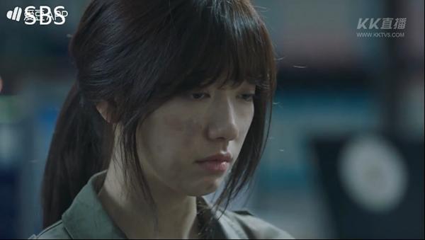 """""""Doctors"""": Ji Soo siêu ngầu, cướp Park Shin Hye từ tay Kim Rae Won - Ảnh 9."""