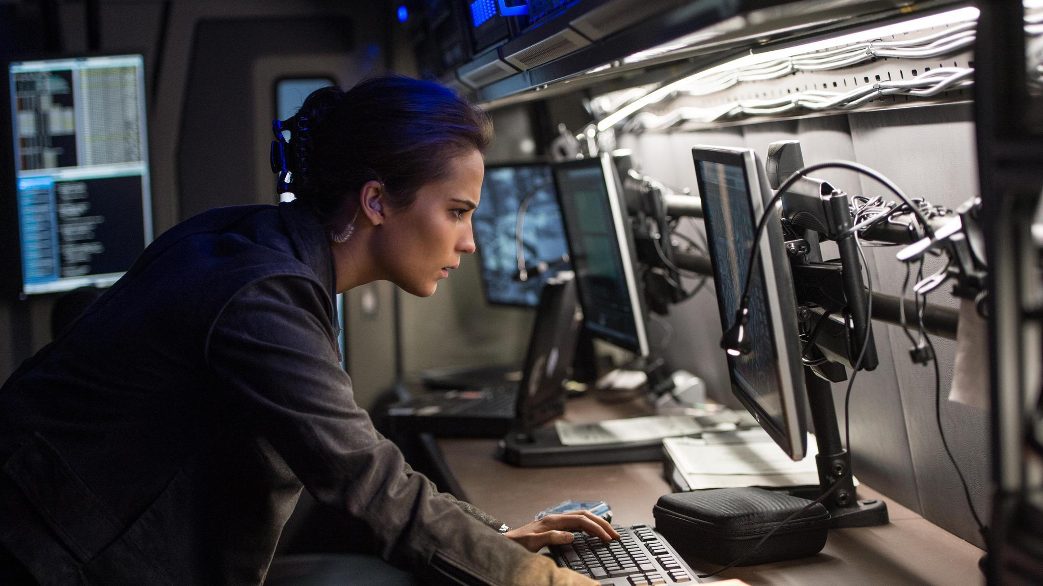 Jason Bourne - Huyền thoại điệp viên được tiếp nối - Ảnh 4.