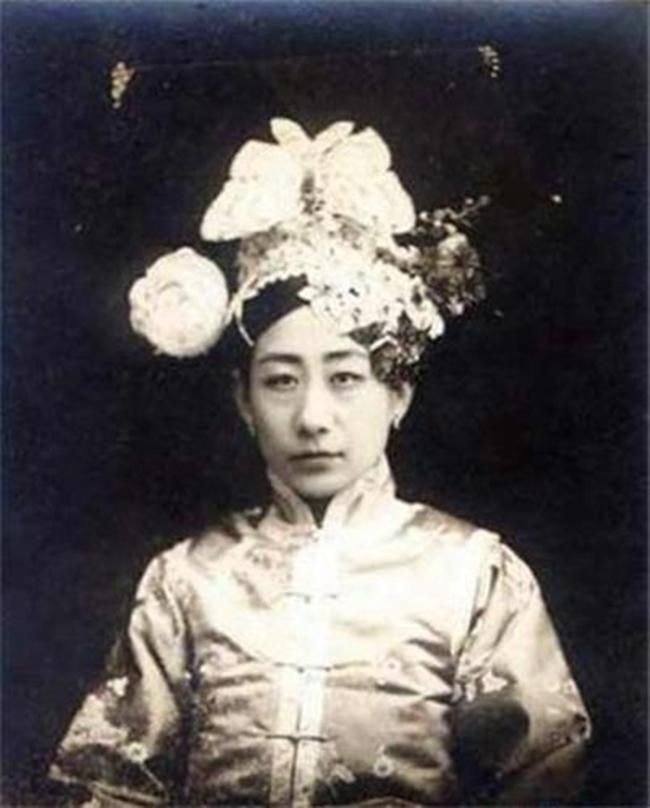 Trung Quốc: Nhan sắc xinh đẹp của 8 nàng Cách cách nổi tiếng cuối triều đại nhà Thanh - Ảnh 4.