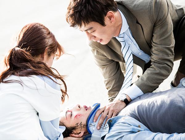 """20 tập có phải hướng đi sai lầm của biên kịch """"Doctors""""? - Ảnh 3."""