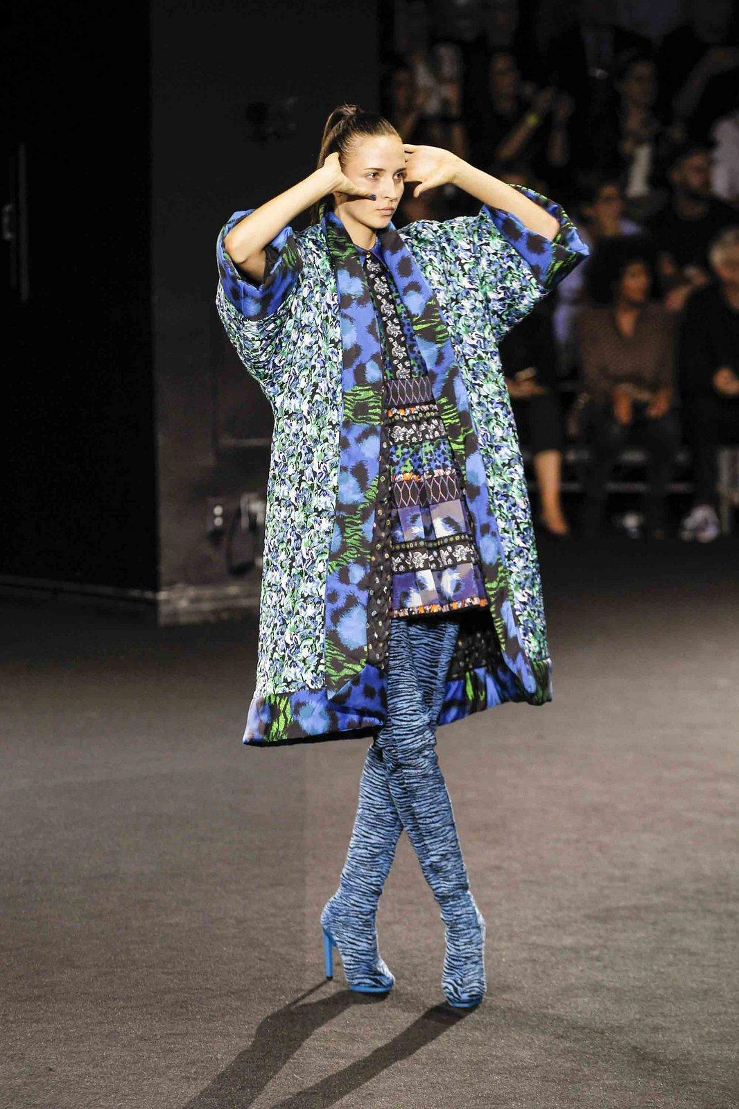 Show H&M x Kenzo tại New York: Suboi diện thiết kế mới nhất, ngồi hàng ghế đầu cùng loạt sao đình đám - Ảnh 27.