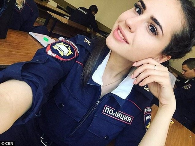 Chùm ảnh: Những nữ cảnh sát xinh đẹp nhất nước Nga - Ảnh 3.