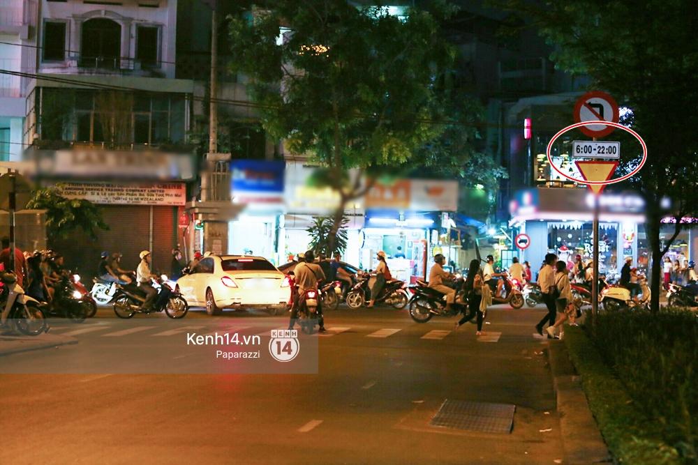 Trấn Thành lái xe chở Hari Won chạy ngược chiều, vi phạm luật giao thông - Ảnh 4.