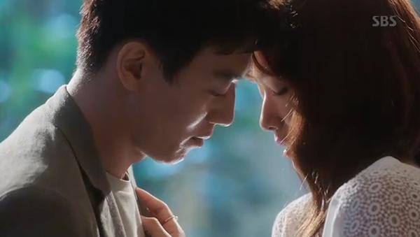 Fan Doctors náo loạn khi Kim Rae Won và Park Shin Hye có nụ hôn đúng tuổi - Ảnh 8.