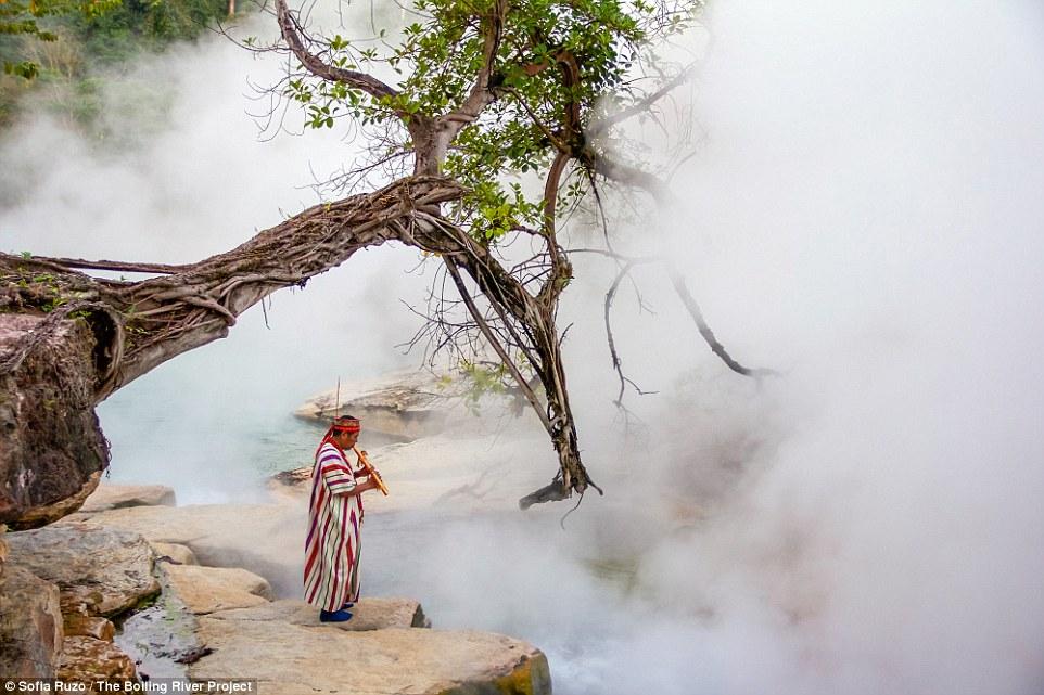 Mới tìm thấy khúc sông Amazon bí ẩn biến bạn thành con tôm luộc - Ảnh 1.