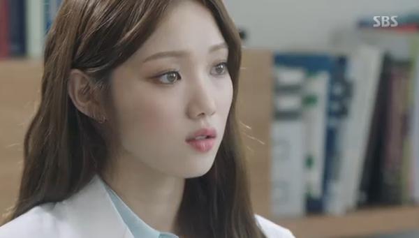 """""""Doctors"""": Yoon Kyun Sang bày tỏ tình cảm của mình với tình địch Kim Rae Won - Ảnh 17."""