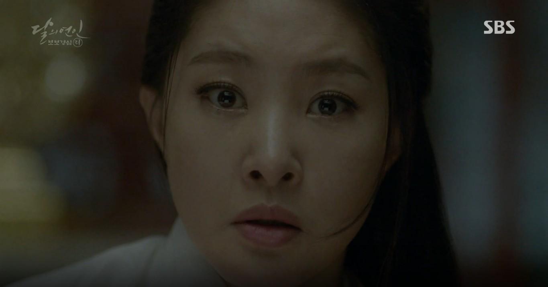 Moon Lovers: Đánh nhau chán chê, hoàng tử Baekhyun lại đột nhiên phải lòng IU - Ảnh 36.