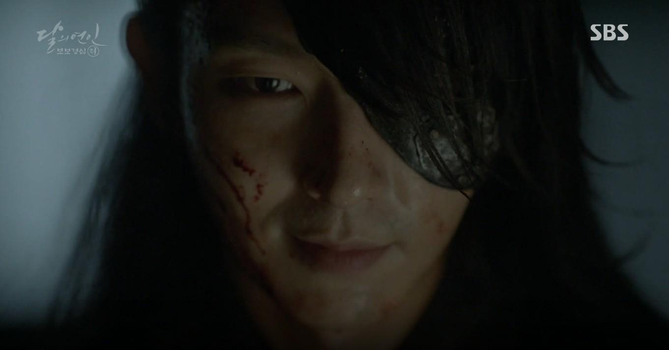 Moon Lovers: Đánh nhau chán chê, hoàng tử Baekhyun lại đột nhiên phải lòng IU - Ảnh 37.