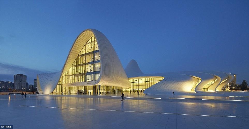 Ngắm nhìn 30 công trình đẹp nhất thế giới, trong đó có nhà trẻ xanh tại Việt Nam - Ảnh 2.
