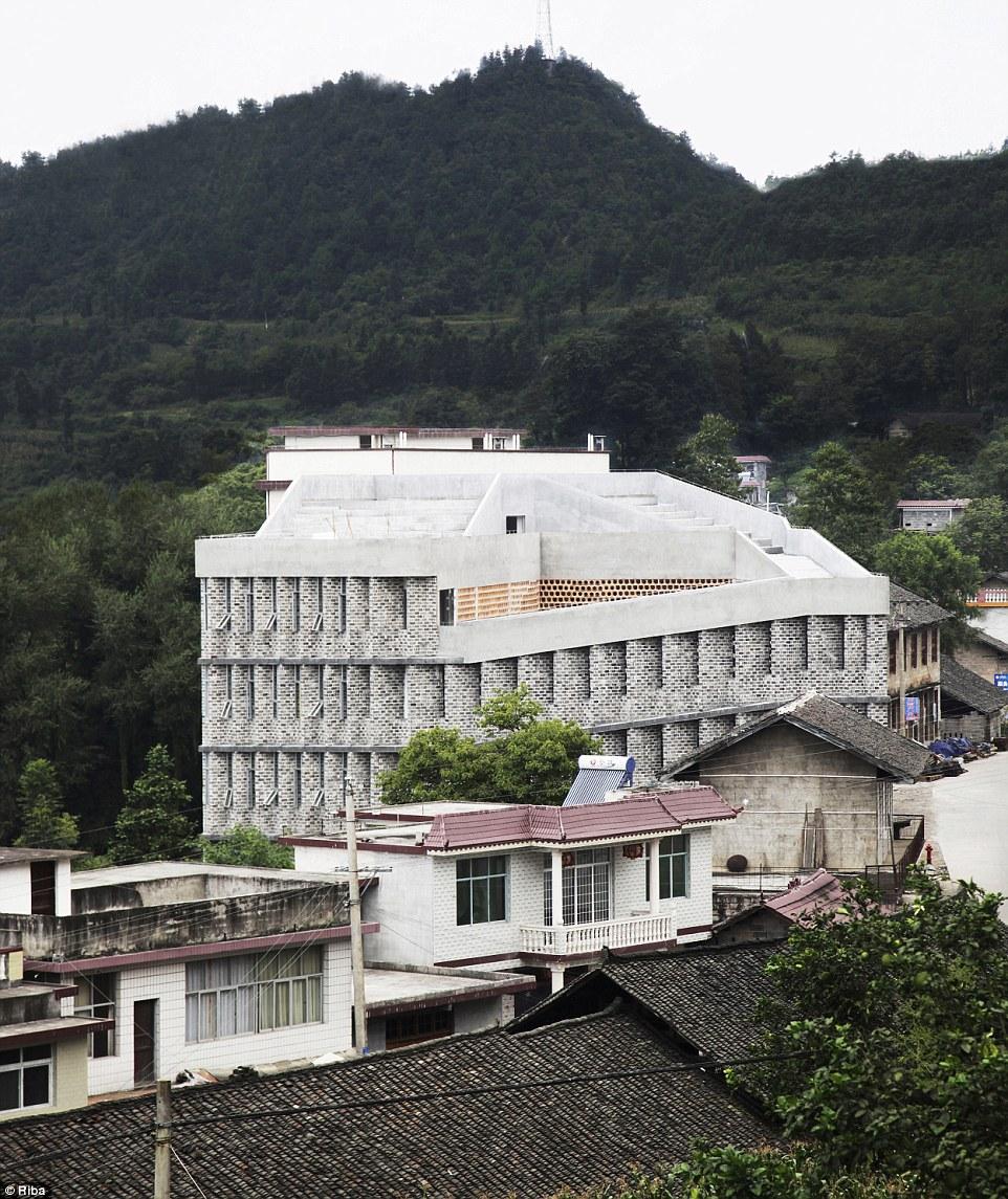 Ngắm nhìn 30 công trình đẹp nhất thế giới, trong đó có nhà trẻ xanh tại Việt Nam - Ảnh 9.