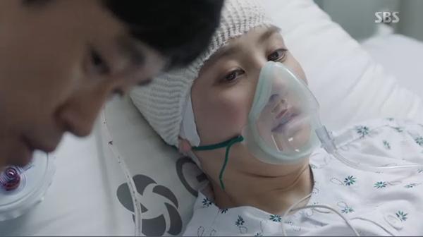 """""""Doctors"""": Xem kìa, Park Shin Hye cuối cùng đã biết ghen! - Ảnh 16."""