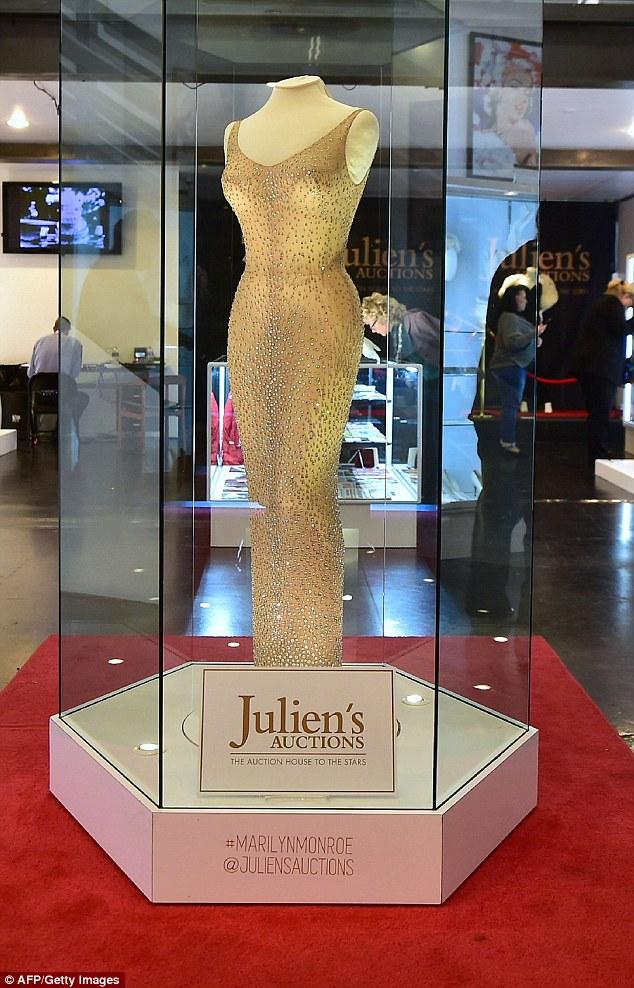 Marilyn Monroe có sống dậy cũng không tin chiếc đầm của mình được bán hơn... 100 tỷ đồng! - Ảnh 3.