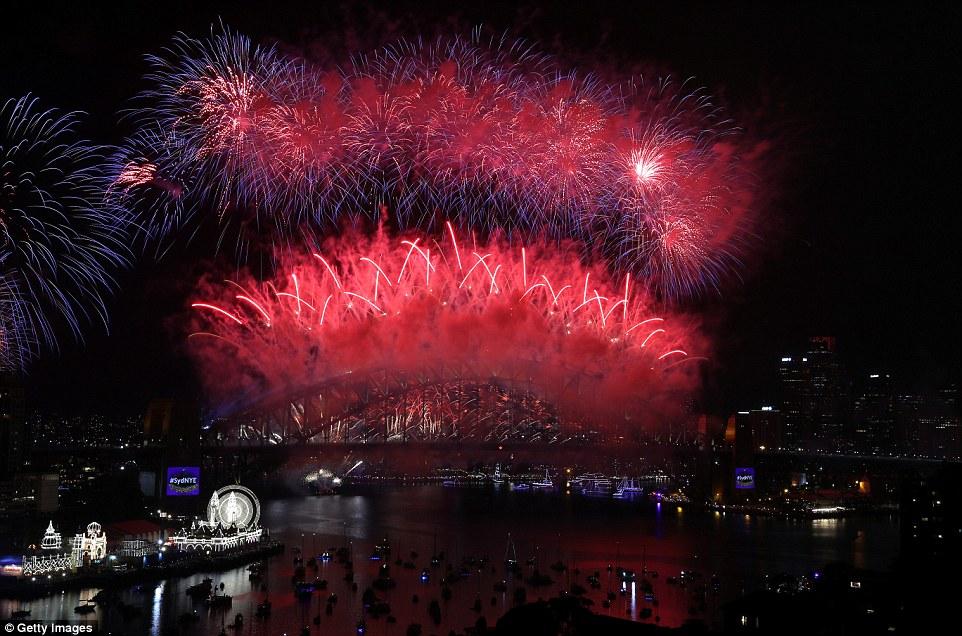 Chùm ảnh: Mãn nhãn với màn trình diễn pháo hoa rực rỡ năm mới 2017 tại Australia và New Zealand - Ảnh 10.
