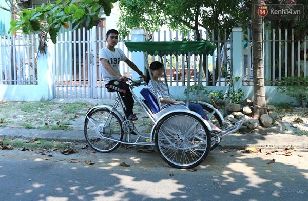 Bộ 3 sinh viên Đà Nẵng ăn mì tôm, dành tiền chế tạo xích lô chạy bằng năng lượng mặt trời - Ảnh 4.