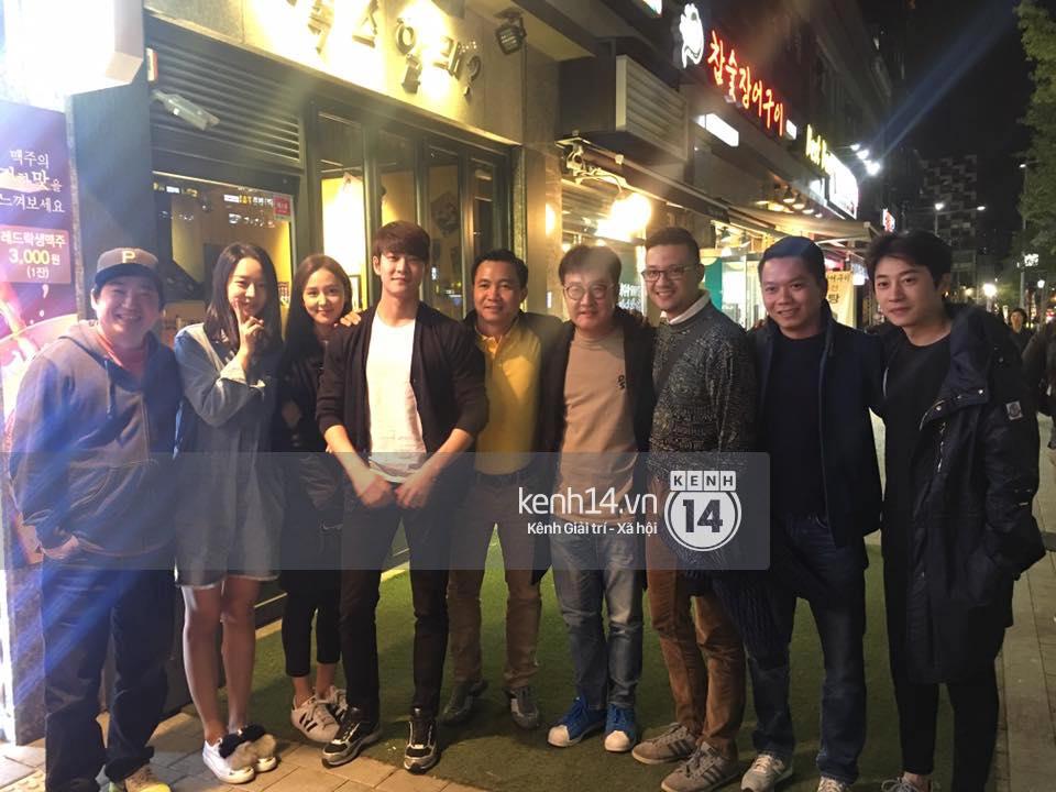 Đạo diễn Khải Anh hội ngộ Kang Tae Oh và dàn diễn viên Tuổi thanh xuân tại Hàn Quốc - Ảnh 2.