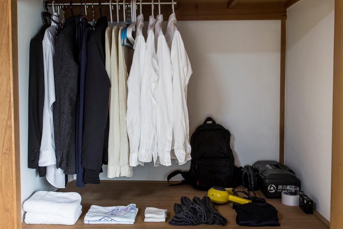 Lối sống tối giản của giới trẻ Nhật: Gia sản chỉ có 3 cái áo, 4 cái quần và 4 đôi tất - Ảnh 14.