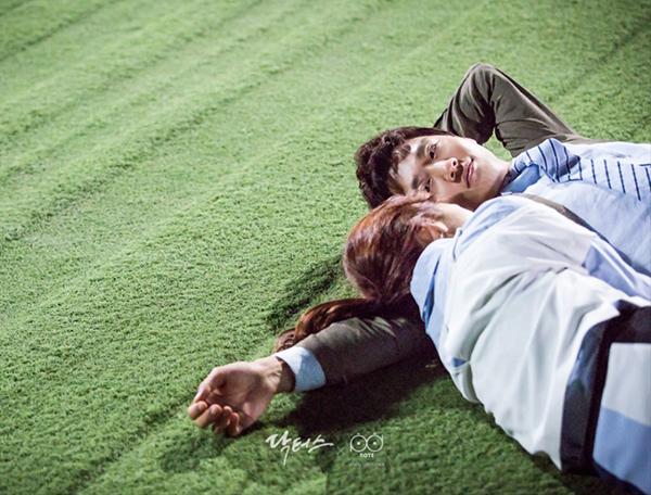 """""""Doctors"""": Yoon Kyun Sang bày tỏ tình cảm của mình với tình địch Kim Rae Won - Ảnh 4."""