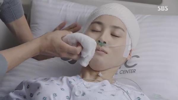 Fan Doctors náo loạn khi Kim Rae Won và Park Shin Hye có nụ hôn đúng tuổi - Ảnh 31.