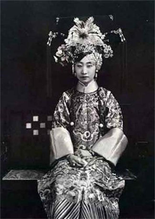 Trung Quốc: Nhan sắc xinh đẹp của 8 nàng Cách cách nổi tiếng cuối triều đại nhà Thanh - Ảnh 5.