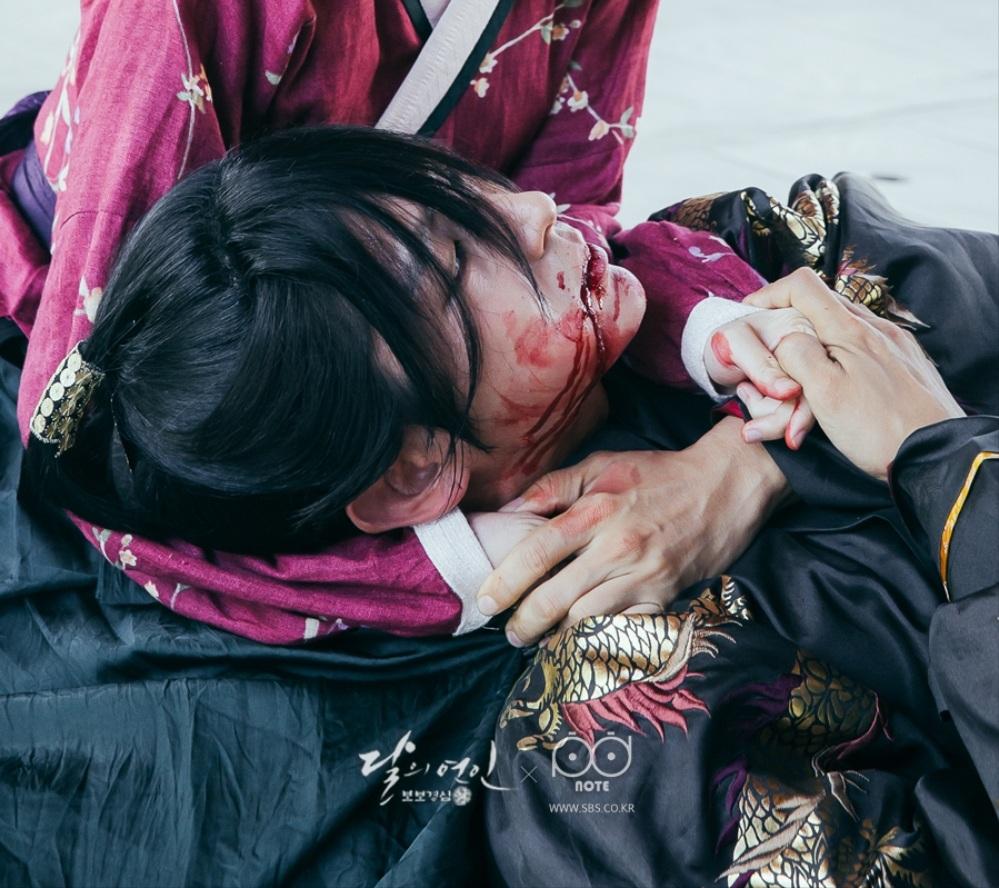 Moon Lovers: Tứ ca Wang So và Bát ca Wang Wook, tình nào là đáng đáp đền? - Ảnh 10.