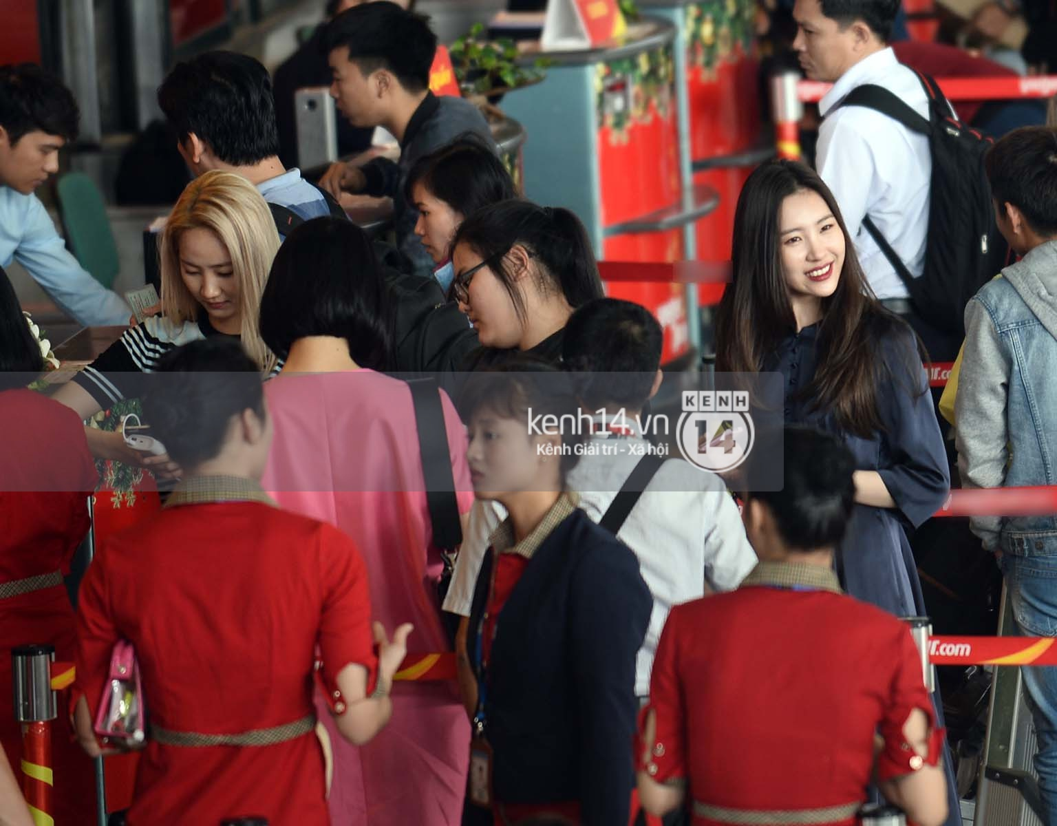 Wonder Girls bay từ Hàn Quốc sang Hà Nội rồi mới vào TP.HCM - Ảnh 14.