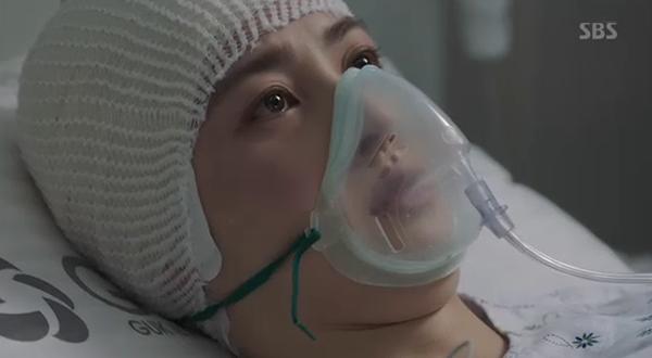 """""""Doctors"""": Xem kìa, Park Shin Hye cuối cùng đã biết ghen! - Ảnh 17."""