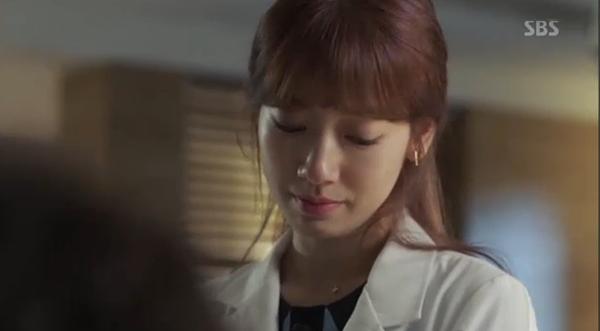 """""""Doctors"""": Xem kìa, Park Shin Hye cuối cùng đã biết ghen! - Ảnh 33."""