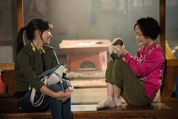 Đài SBS chơi trội, hé lộ tuổi thơ đen tối của Park Shin Hye lên mạng - Ảnh 4.