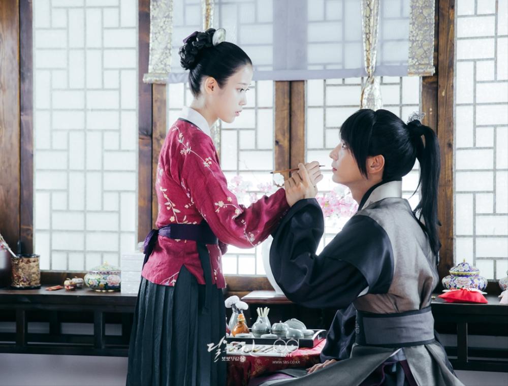 Moon Lovers: Tứ ca Wang So và Bát ca Wang Wook, tình nào là đáng đáp đền? - Ảnh 6.