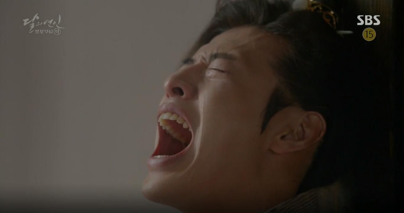 """Moon Lovers: """"Mười"""" Baekhyun suýt toi mạng dưới tay… bố vợ - Ảnh 11."""