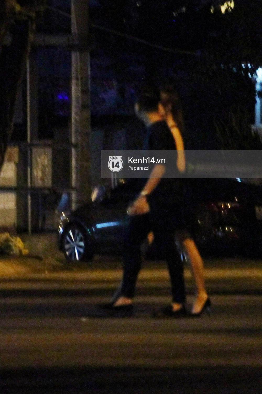 Sau sự kiện, Trấn Thành - Hari Won đi ăn đêm ở quán lề đường cùng bạn đến nửa đêm - Ảnh 6.