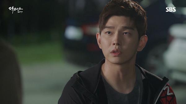 """""""Doctors"""": Yoon Kyun Sang bày tỏ tình cảm của mình với tình địch Kim Rae Won - Ảnh 7."""