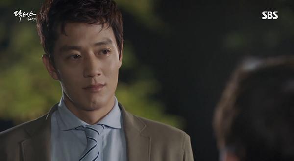"""""""Doctors"""": Yoon Kyun Sang bày tỏ tình cảm của mình với tình địch Kim Rae Won - Ảnh 8."""