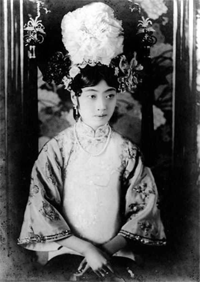 Trung Quốc: Nhan sắc xinh đẹp của 8 nàng Cách cách nổi tiếng cuối triều đại nhà Thanh - Ảnh 7.