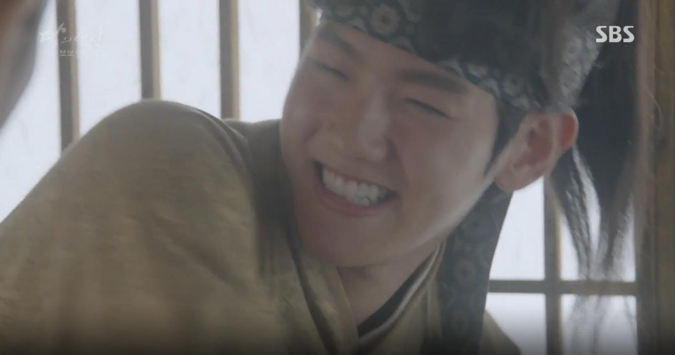 Moon Lovers: Tứ hoàng tử Lee Jun Ki chính thức hạ chiếc mặt nạ trước mặt IU - Ảnh 3.
