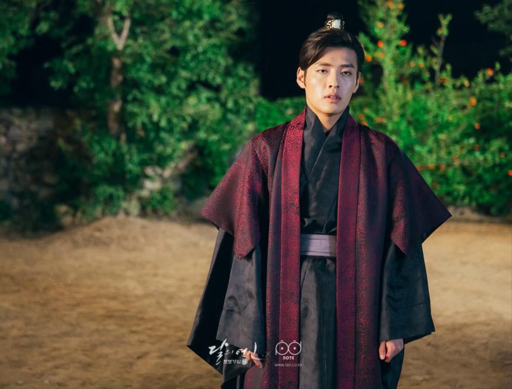 Moon Lovers: Tứ ca Wang So và Bát ca Wang Wook, tình nào là đáng đáp đền? - Ảnh 1.