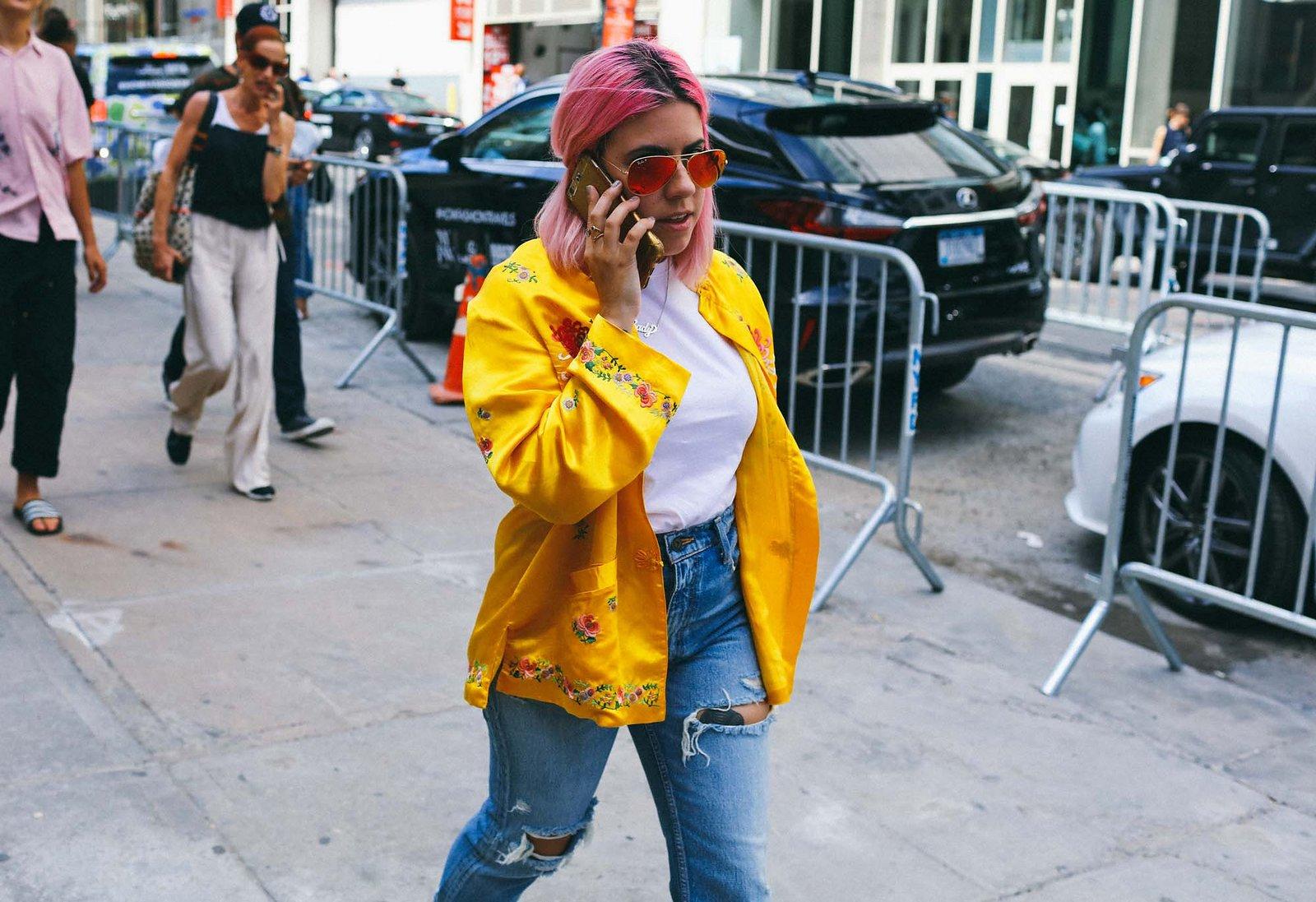 Fashionista thế giới náo loạn vì tóc nhuộm neon cùng mái siêu ngắn chẳng giống ai - Ảnh 6.