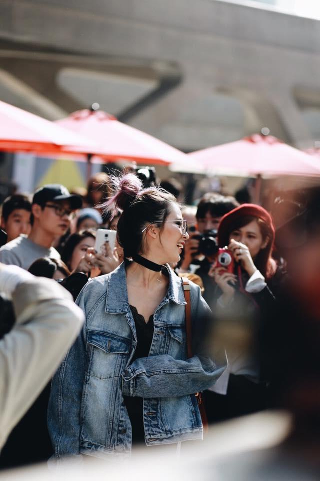 Châu Bùi & Cao Minh Thắng ton-sur-ton, Min diện quần một mất một còn tại Seoul Fashion Week ngày 3 - Ảnh 13.