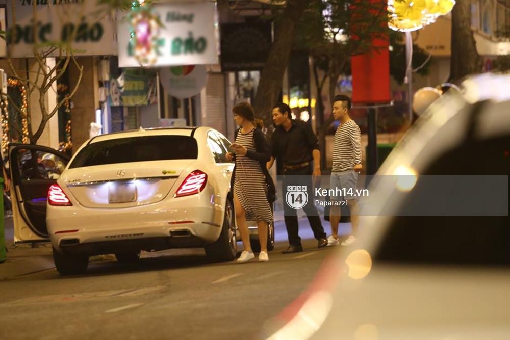 Kết thúc tiệc cưới, Trấn Thành lái xe đưa Hari Won đi ăn đêm - Ảnh 6.