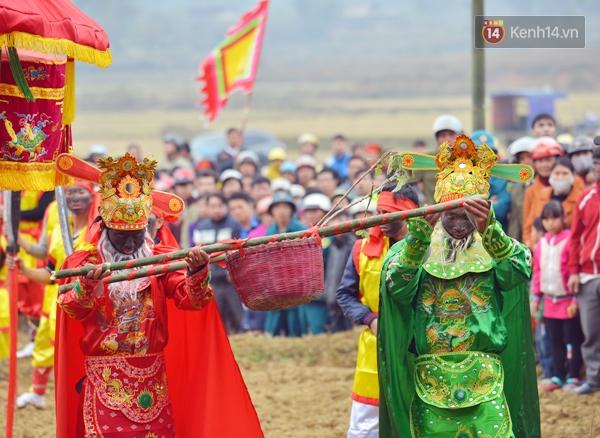Lễ hội rước của quý độc nhất vô nhị ở Lạng Sơn - Ảnh 8.
