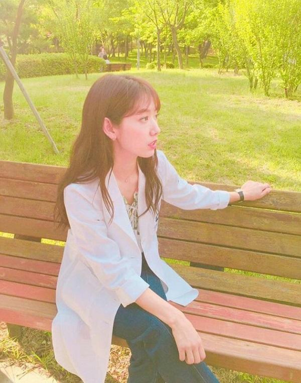 """Fan háo hức với teaser """"Doctors"""" siêu đẹp, siêu ngọt của Park Shin Hye - Ảnh 8."""
