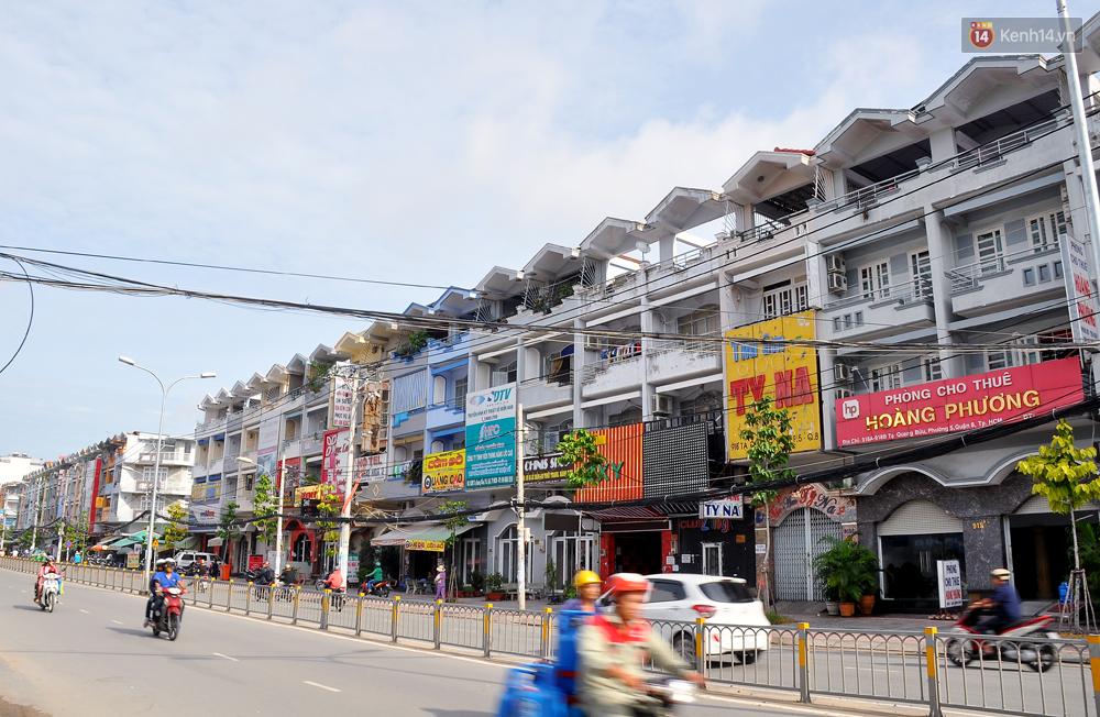 Những khu phố đồng phục thú vị ở Sài Gòn với dãy nhà giống hệt nhau - Ảnh 2.