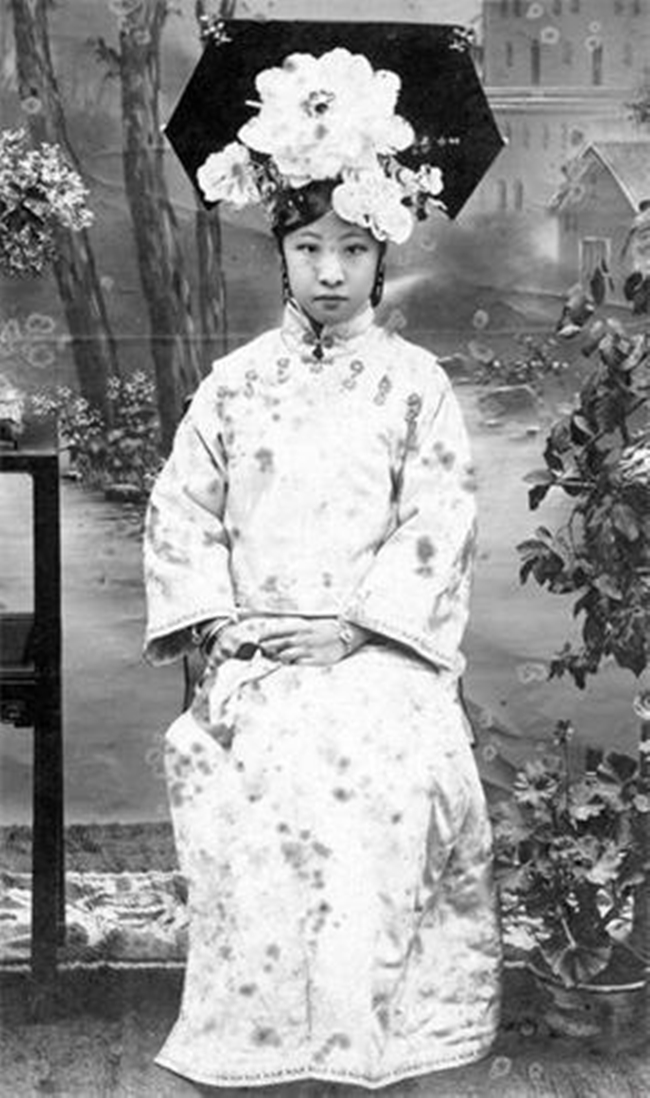 Trung Quốc: Nhan sắc xinh đẹp của 8 nàng Cách cách nổi tiếng cuối triều đại nhà Thanh - Ảnh 8.