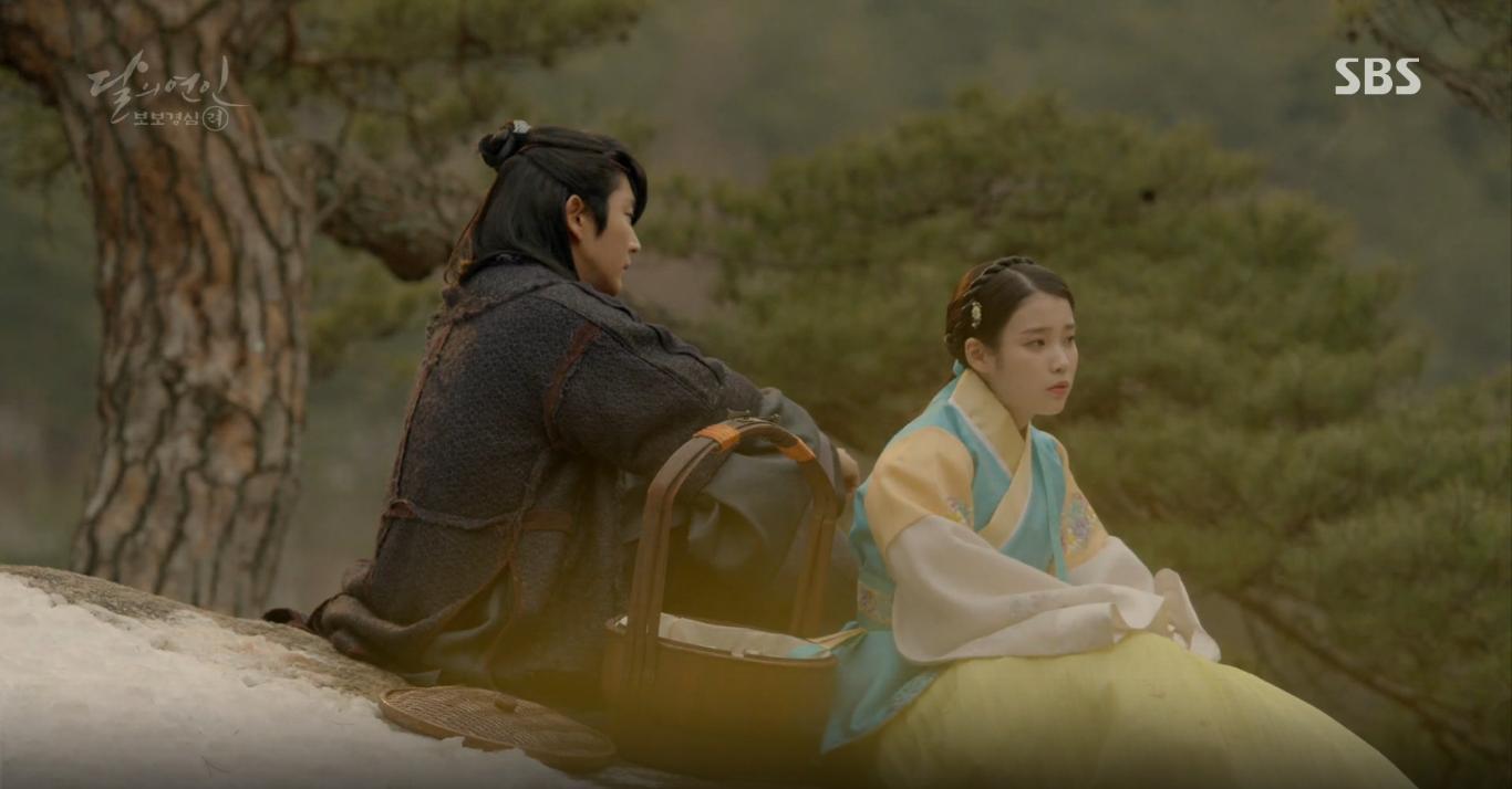 Moon Lovers: Tứ hoàng tử Lee Jun Ki thêm một lần xuất hiện kịp thời giải cứu IU - Ảnh 11.