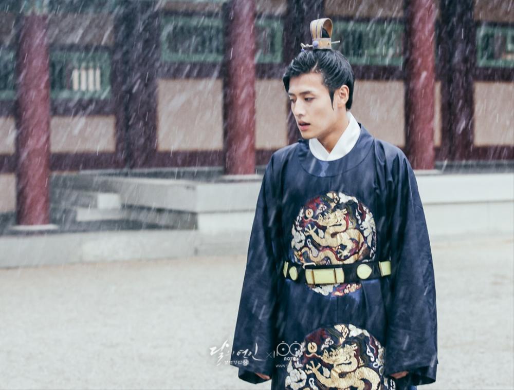 Moon Lovers: Tứ ca Wang So và Bát ca Wang Wook, tình nào là đáng đáp đền? - Ảnh 4.