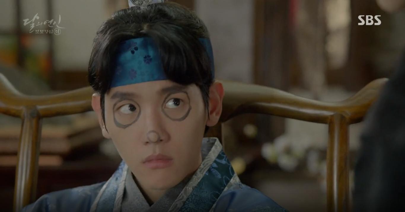"""Moon Lovers: """"Mười"""" Baekhyun suýt toi mạng dưới tay… bố vợ - Ảnh 1."""