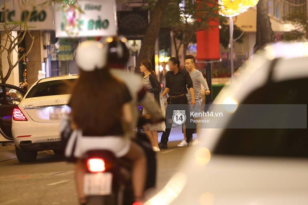 Kết thúc tiệc cưới, Trấn Thành lái xe đưa Hari Won đi ăn đêm - Ảnh 7.