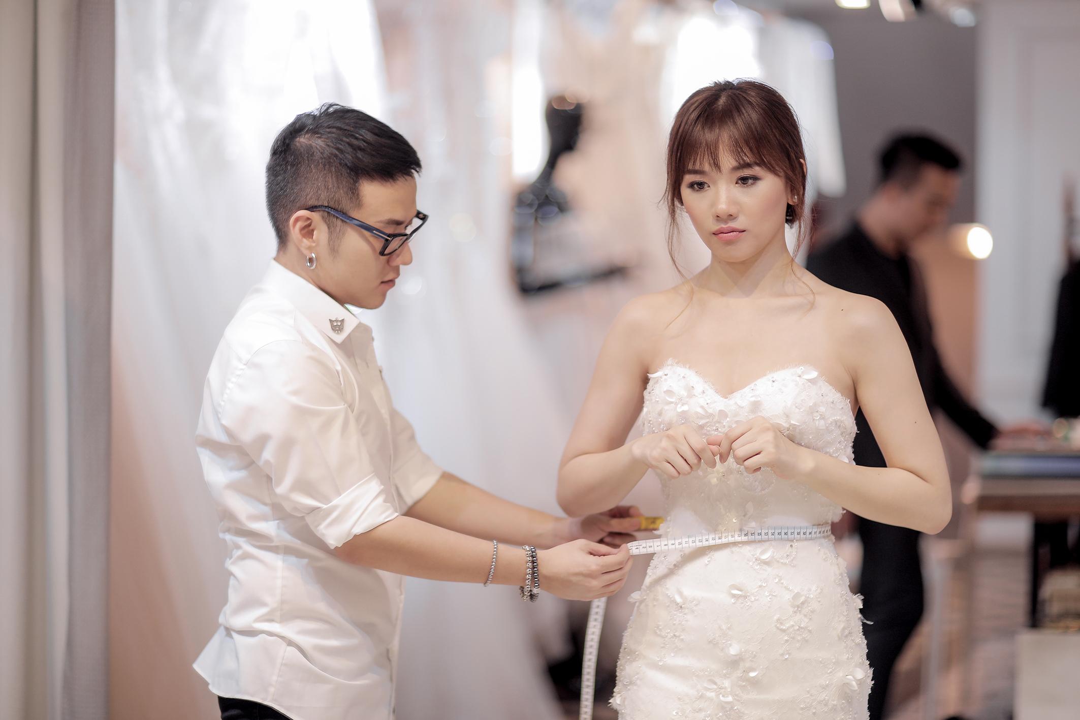 Trấn Thành đặt riêng hai mẫu váy cưới đặc biệt dành tặng Hari Won - Ảnh 3.